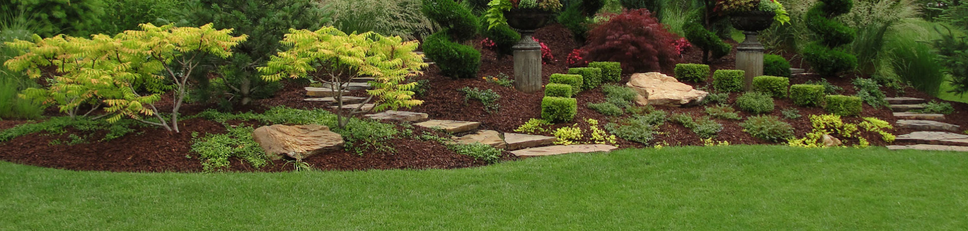Home sunrise scapessunrise scapes lanscape services inc for Home landscaping services